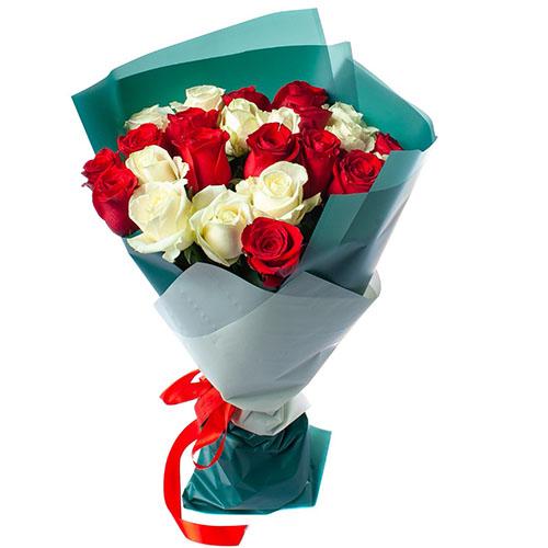 фото букета 25 троянд червоних та білих