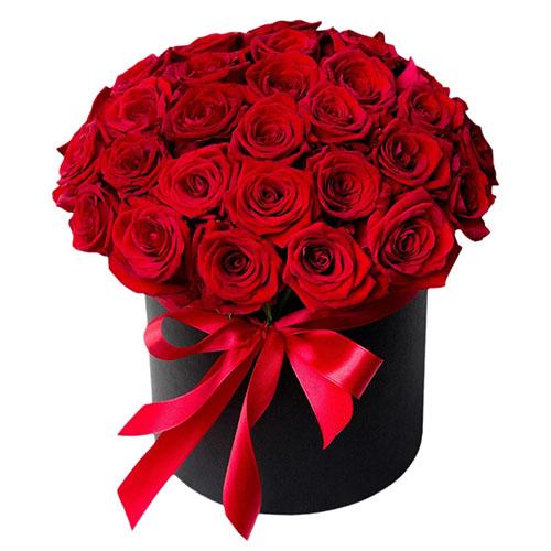 33 троянди в капелюшній коробці фото букета