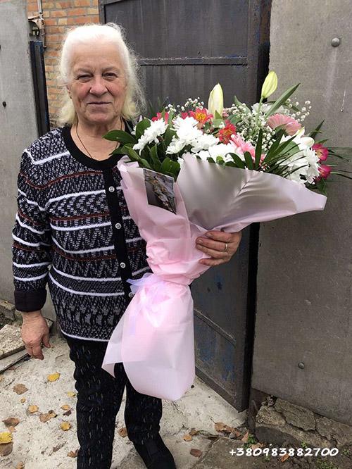 мікс букет квітів фото доставки